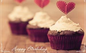 2735_nice-happy-birthday-cupcake